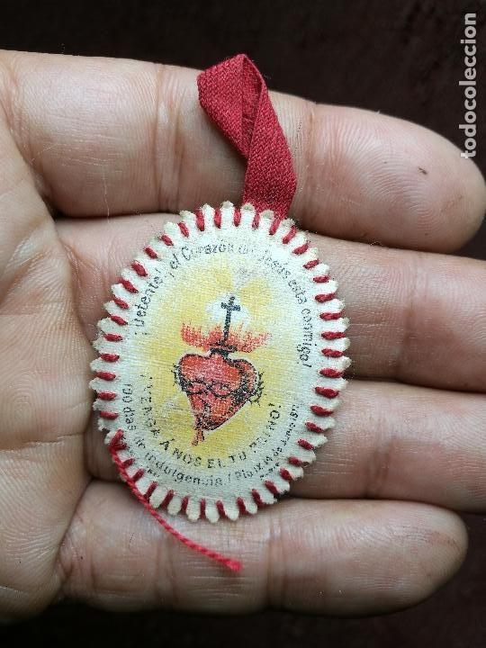 Detente Bala Detente Aqui Esta El Corazon De Jesus Escapulario De Jesus Corazones Puntos De Bordado Cosidos