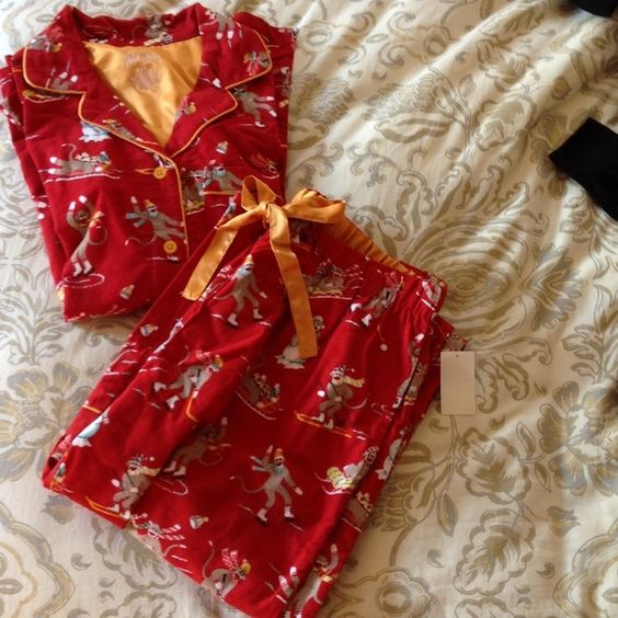 Flannel Nick and Nora Pajamas New, never worn.  Warm, cozy! 100% cotton.  (Satin trim.) Pants have elastic waist and pull string. Pants also have pockets. Nick & Nora Intimates & Sleepwear Pajamas