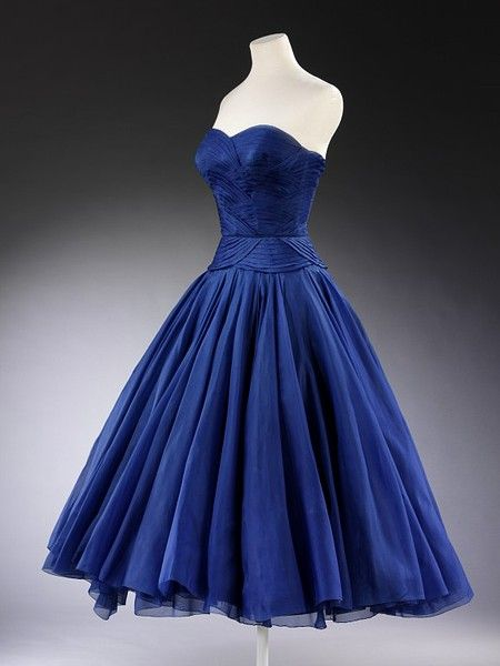 Jean Desses 1951 ~ Cocktail dress and jacket Worn and given by HRH Princess Margaret Date:1951 (made) Materials and Techniques: Silk, silk organza and velvet ribbon, pleated