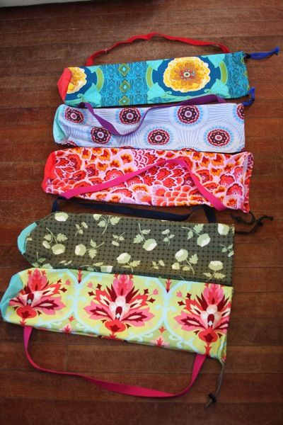 Easy yoga mat bags: