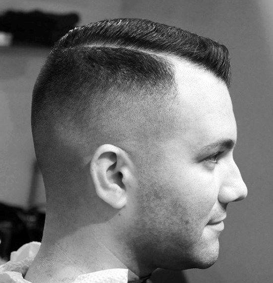 Kamm Uber Haarschnitt Fur Manner 40 Klassische Mannliche Frisuren Mann Stil Tattoo Haarschnitt Manner Haarschnitt Frisuren
