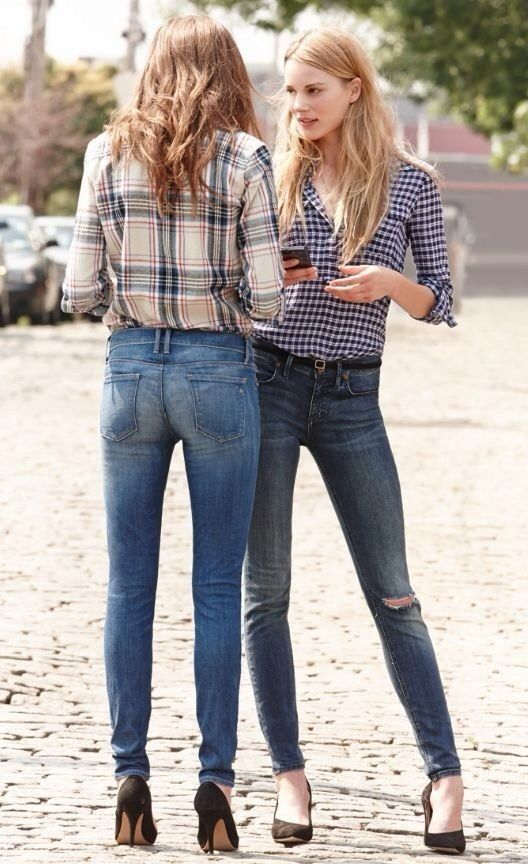 flannel with high waisted jeans and heels