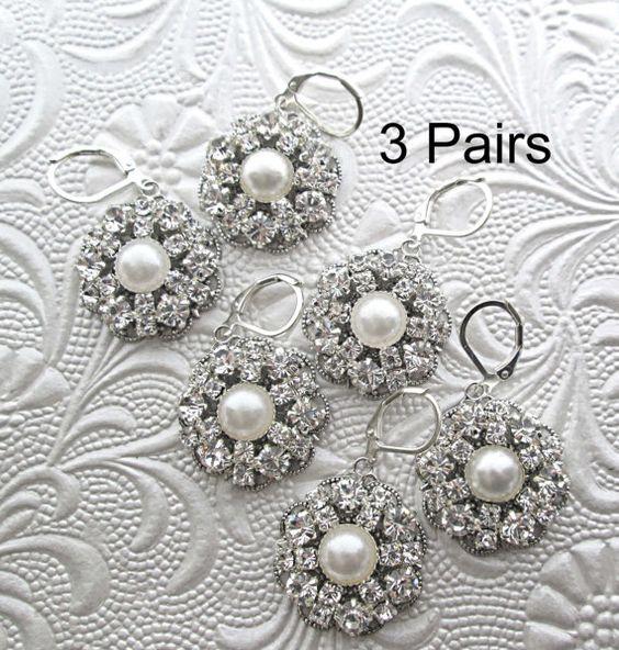 He encontrado este interesante anuncio de Etsy en https://www.etsy.com/es/listing/165539314/3-bridesmaids-earrings-crystal