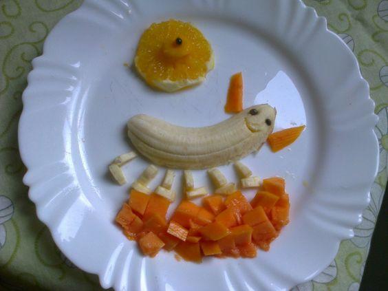Primeiro prato divertido que eu fiz, e o Arthurzinho adorou!! Para as crianças que não gostam de comer frutas e legumes vale apena tentar, criança é curiosa, eles vão querer experimentar cada frutinha que está no prato. #DádivadeMãe #Pratodivertido