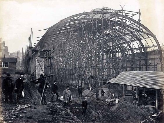 High Street Kensington's roof taking shape. | 15 Victorian Photos Of The London Underground Being Built