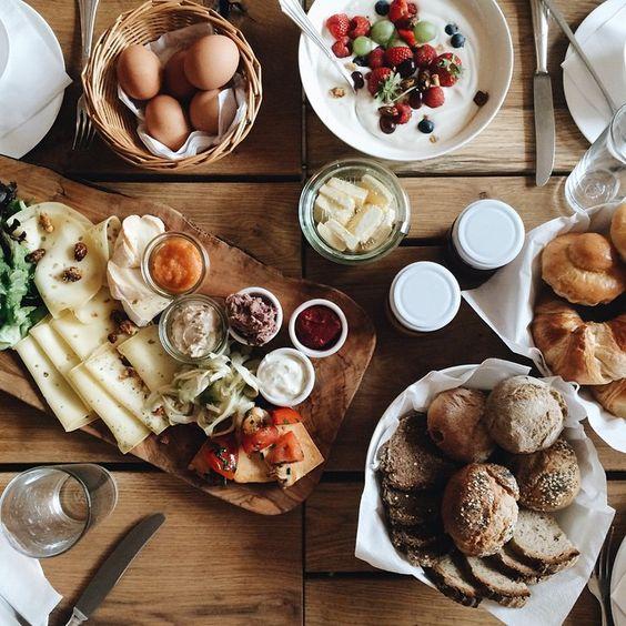 | Family, friends & food - our wedding brunch ❤️ #hamburg #sommerundüberhaupt #letsneverforgetthosedays