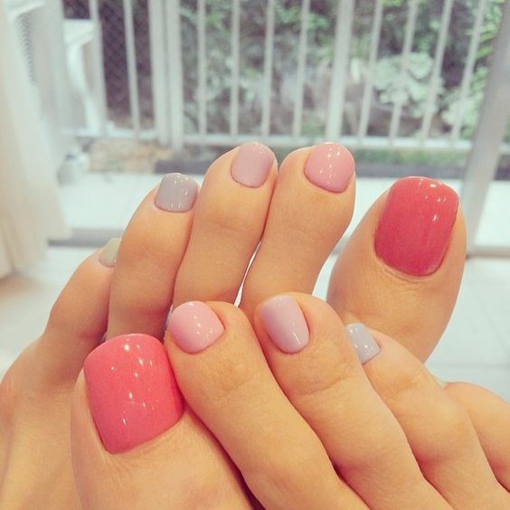 Cute foot nails design: