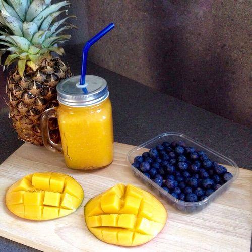 Afbeelding via We Heart It #beverage #blueberries #delicious #dessert #dinner #diy #fitness #food #fruit #healthy #holiday #idea #inspiration #juice #lifestyle #mango #meal #motivation #nutritious #orange #pineapple #summer #Sunny #vacation #workout #kaylaitsines
