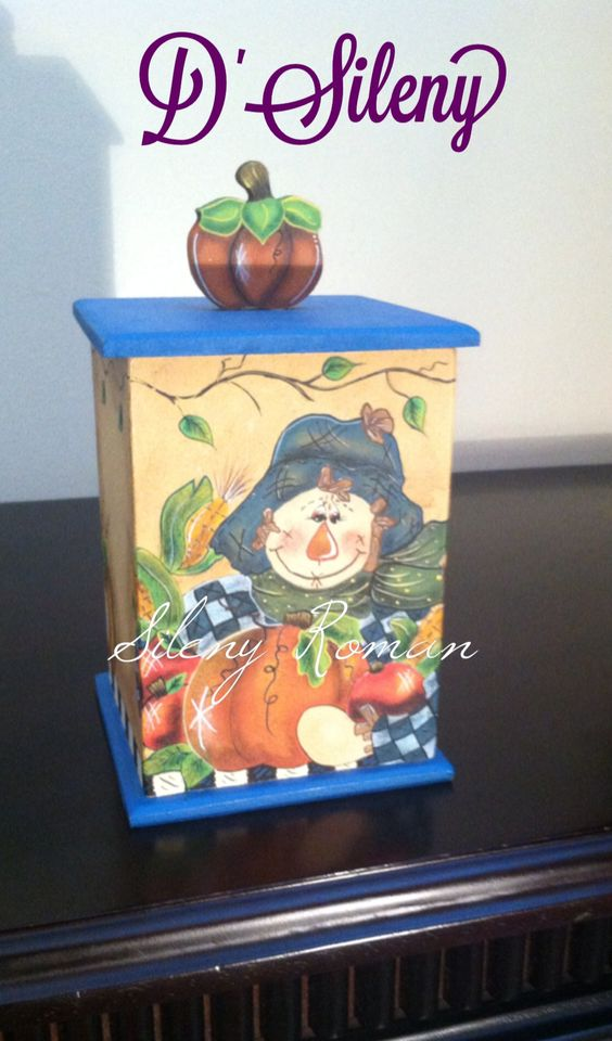 Caja decorada con motivos de calabaza. Vista 1