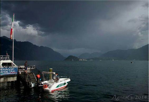 giornata nuvolosa sul Lago di Como Italy