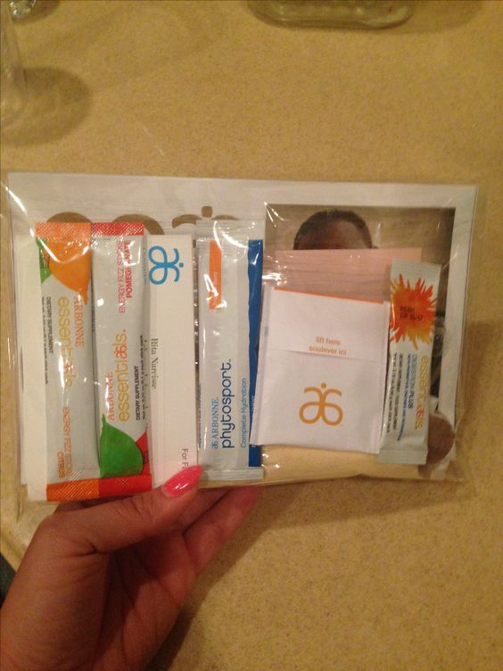 Fit kits to give to potential customers •Arbonne products •EOA •product information •Business card