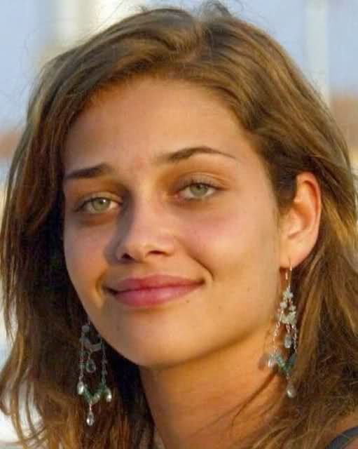 ana beatriz barros no makeup