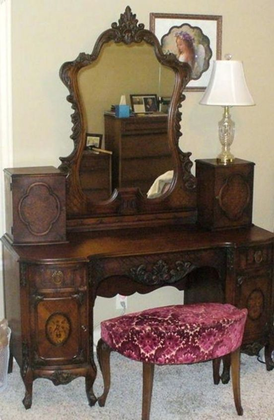 Vanities Old Style Vanity Mirror Bedroom Vanity Old Fashioned Old Style Dressing Table I Vintage Bedroom Furniture Vintage Furniture Antiquing Furniture Diy