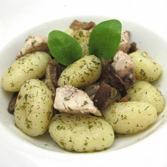 ricetta-gnocchi-di-patate-con-tonno-e-funghi-all-aneto-11