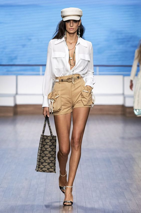 Elisabetta Franchi Ready To Wear Spring Summer 2020 Milan - NOWFASHION