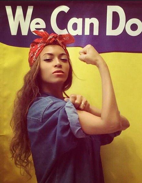On la savait engagée dans la cause des femmes, mais Beyoncé vient de franchir une nouvelle étape en postant sur Instagram une photo d'elle reprenant trait pour trait les codes d'une image emblématique de la cause féministe. http://www.elle.fr/People/La-vie-des-people/News/Beyonce-fiere-d-etre-feministe-et-le-prouve-sur-Instagram-2736493