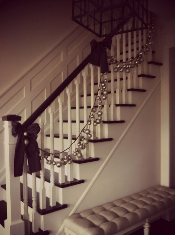 Christmas Staircase Decorations | staircase decor
