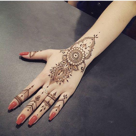 Minimal Henna Design | bridal mehendi design | Function Mania