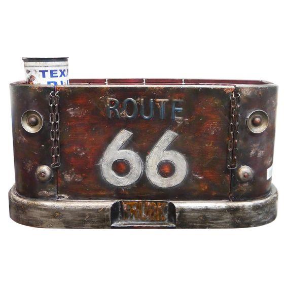 Que tal esta Prateleira em Metal Traseira de Camionete Route 66 - 71x34 cm www.carrodemola.com.br/produtos/7257/prateleira-metal-traseira-camionete-route-66-71x34-cm