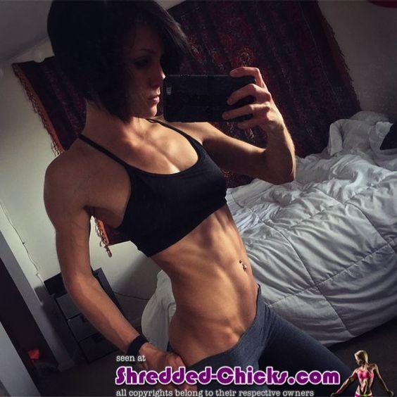 Sexy #Selfie eines #Fitnessmodels mit tollen #Muskeln :) Methyldrene 25 ist ein Hardcore #Fatburner, der das Fett zum Schmelzen bringt! Jetzt bestellen: http://shredded-n.fit/methyldrene-fatburner! #Bikinimodel #Traumfigur #Fitspo #Fitness #Abnehmen #sexy