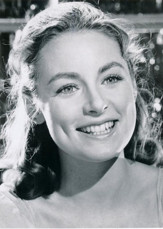 Charmain Carr (played Liesl VonTrapp in the original Sound of Music), born on Dec. 27, 1942, died September 17, 2016