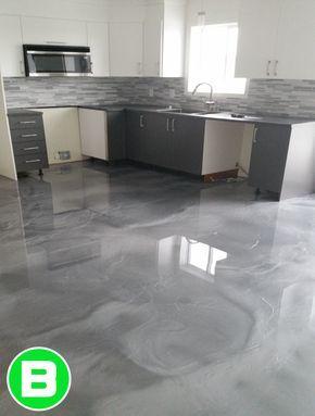 Plancher De Cuisine En Epoxy Deco Tendance Bellecuisine Cuisine Planchermetallique Epoxy Flooring For House In 2019 Kitchen Flooring Garage Floor Epoxy Epoxy Floor Basement