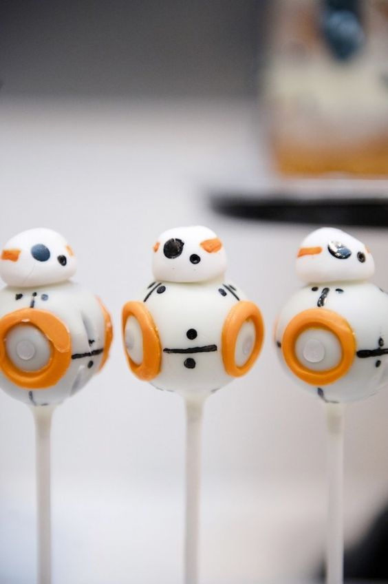 Droid Cake Pops from a Star Wars Party!:
