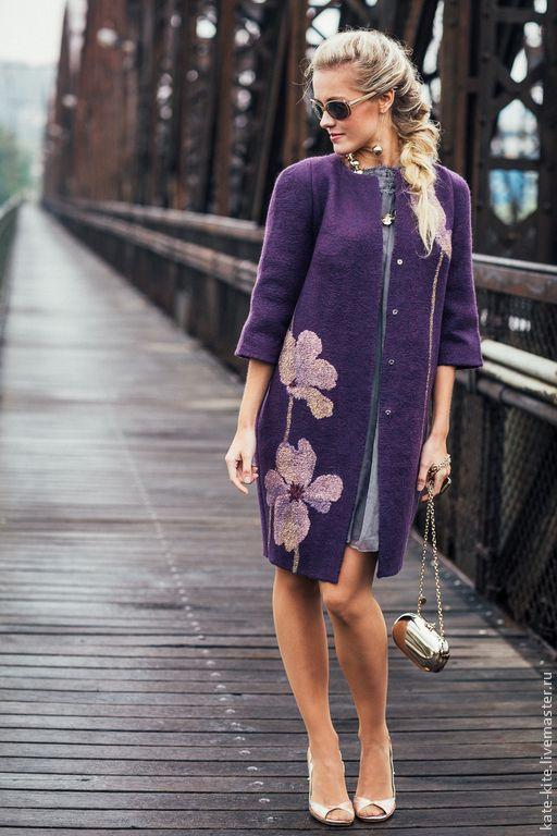 Валяное пальто-кокон с шелковыми цветами - Катерина Коршун - Ярмарка Мастеров