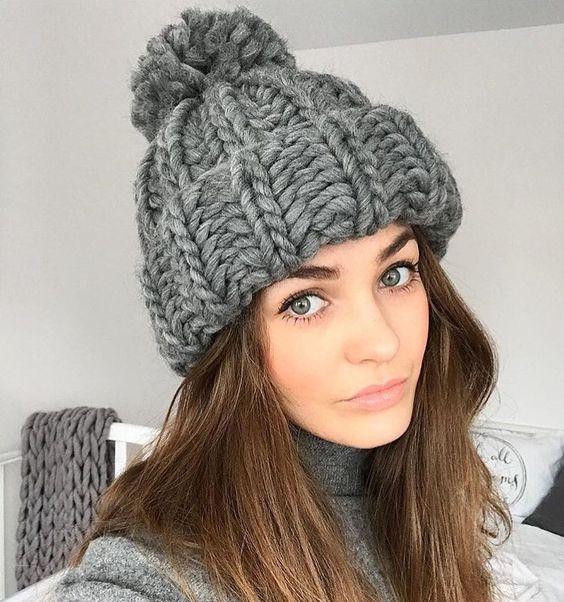 Не знаешь какой цвет пряжи выбрать для вязания шапочки, снуда или свитера? Выбирай классику - меланжевый серый, в нашей палитре пряжи #KeepCalmThisWool и #OhMyWool он называется Gray goose