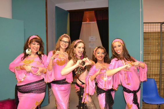 Nos clientes nous aiment et nous le prouvent <3<3<3 Merciiii Robe Baladi / Saïdi à découvrir sur www.BellydanceDiscount.com