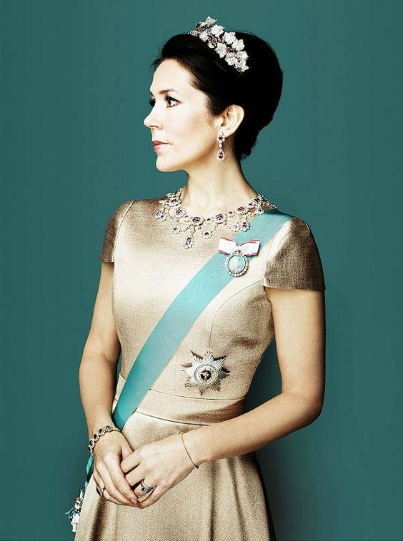 "kronprinsenfrederik: ""Portrait of Crown Princess Mary by Marco Grob """