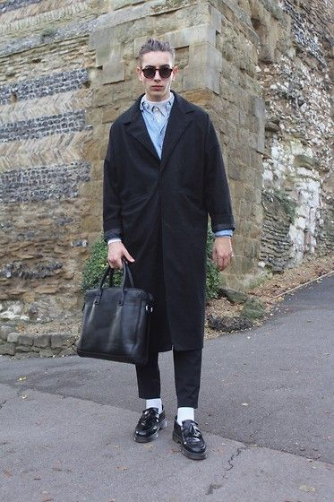 Get this look: http://lb.nu/look/7876996 More looks by STYLE Solace: http://lb.nu/stylesolace Items in this look: Asos Duster Coat, Monokel Glasses, Dr. Martens Adrian Loafer, Zara Technical Fabric Trousers, Zara Briefcase, The Great Frog Skull Ring, Topman Turtle Neck #mensfashion #menswear #mensstyle