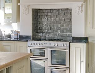 Tiled kitchen chimney breast google search new kitchen for Tiled chimney breast images