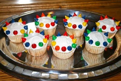 AUG 22 Coronation of Mary (Octave of the Assumption) Simple Crown Cupcakes
