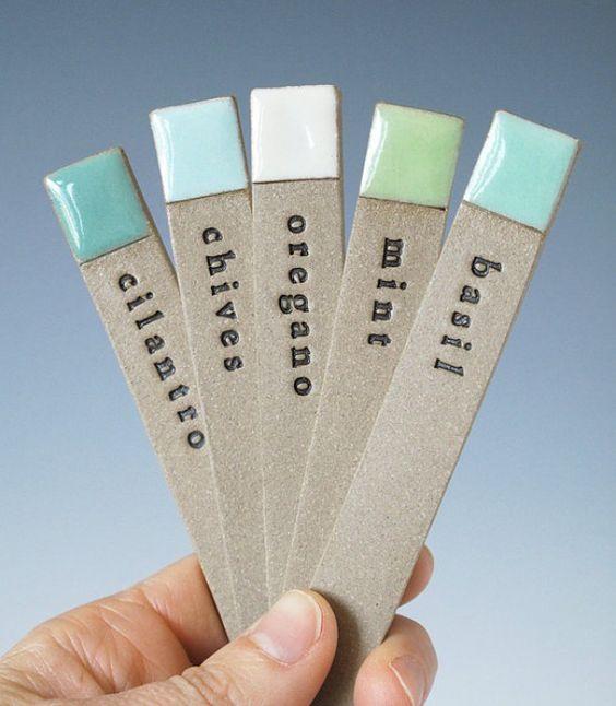 mooie labels voor de kruidentuin......oude nagellak opmaken.......