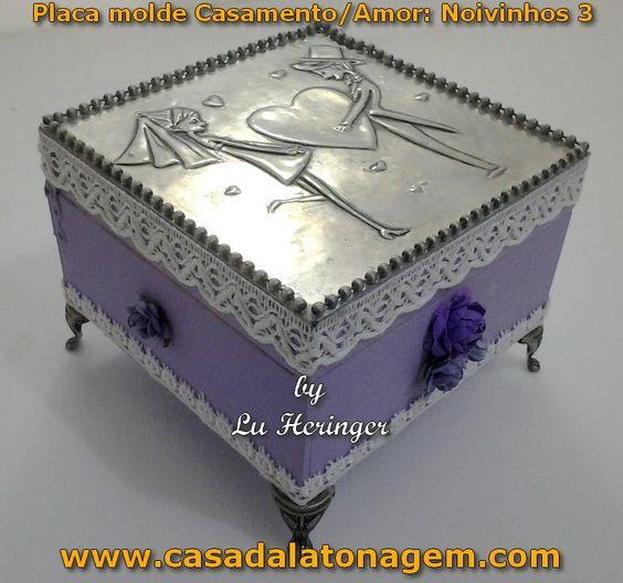 Caixinha usando as placas moldes Casamento/Amor da Casa da Latonagem. No DVD I ensino como fazer. Confira aqui: www.casadalatonagem.com