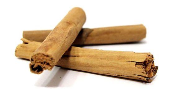 Zimt riecht nicht nur herrlich, dieses besondere Gewürz regt die Gehirnaktivität an, hilft der Verdauung und kann beim Abnehmen helfen.