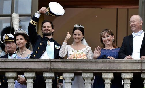 NEWS TRENDS Sweden KING FAMILY. Prince Carl Philip and Sofia WEDDING Stockholm. Pic EPA/AOP Iltalehti.fi Iltasanomat.fi: