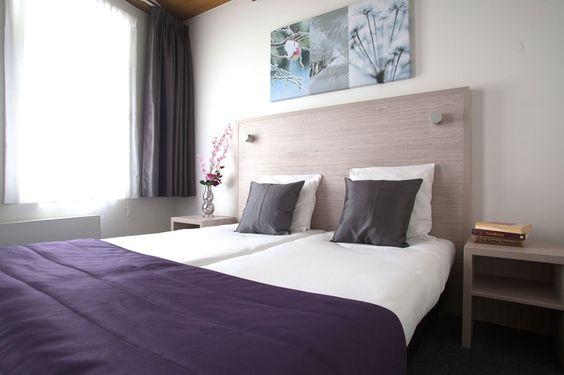 Comfort kamer   € 79,= per nacht incl. ontbijt. Sfeervolle 2 persoons kamer met eigen badkamer. Faciliteiten op de kamer: Bureau met stoel, Badkamer met douche en toilet, Flatscreen televisie, Kledingkast, Koffie- en theefaciliteiten, Passpiegel, Toiletartikelen, Vloerbedekking en gratis WiFi.