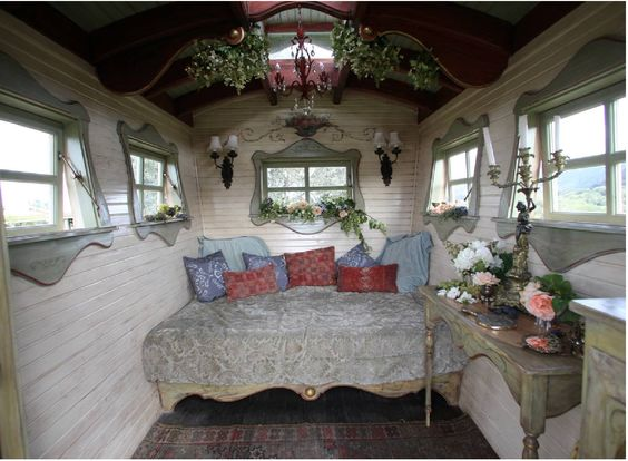 Original Inspired From Gypsy Caravans Which Provides That Oldworld Vintage Look, The Mobile Home Combines That Classic Look With Elegant Yacht Styled Wooden Interiors The Caravan Come In Two Models, The Tonke VAN And The Tonke Classic The