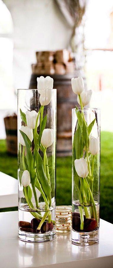 ゝ。Vertical Vases Ƹ̵̡ White Tulips