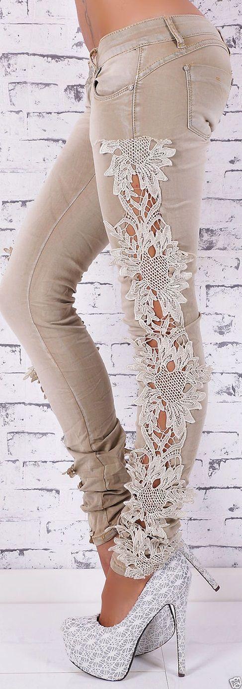 DIY: una original forma de personalizar un pantalón vaquero con tiras de puntilla o de encaje. El resultado es espectacular.: