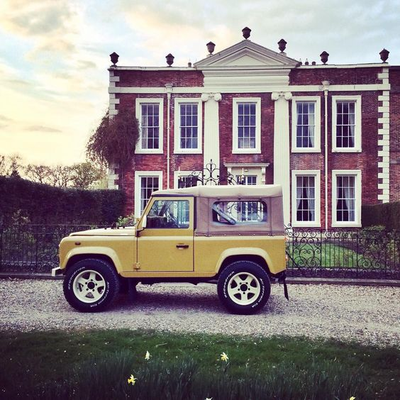 #Retro #Lifestyle #BahamaGold #Twisted #Defender #LandRover #TwistedDefender #Custom #Handcrafted #Style #LandRoverDefender #4x4 #AtHomeAnywhere #Home