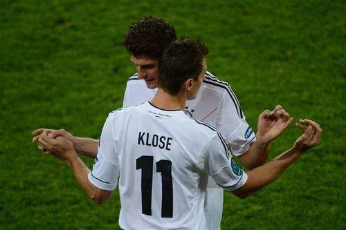 Mario Gomez Miroslav Klose Klose Germany Fifa Worldcup Deutsche Fussballnationalmannschaft Fussball