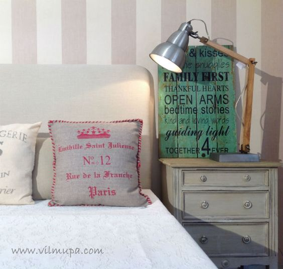 cabecero de cama tapizado con lino natural