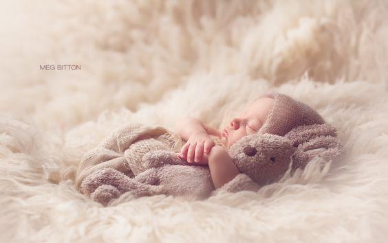 bébé et doudou