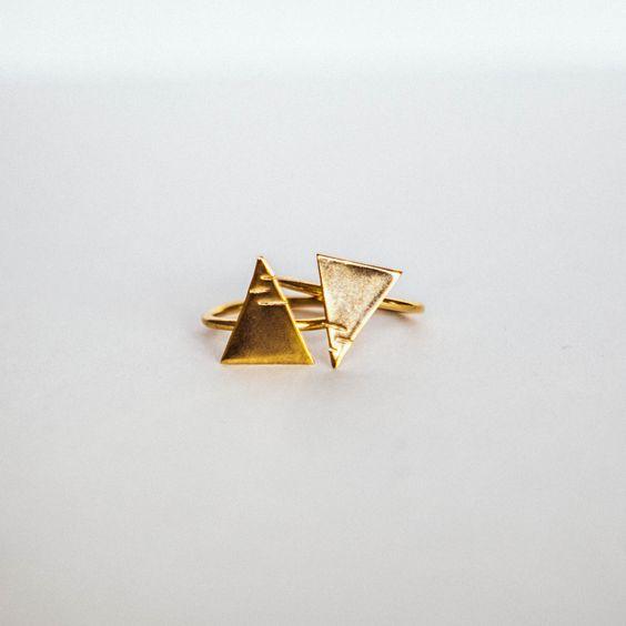 The New City Triangle Rings   #turkish #gold #sleek #design #style #fashion #turklynpazaar www.turklynpazaar.com
