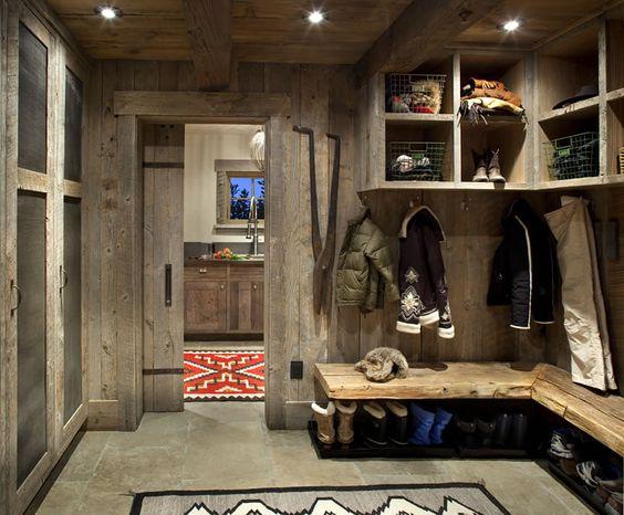 Montana Reclaimed Lumber - Rustic Mud Room