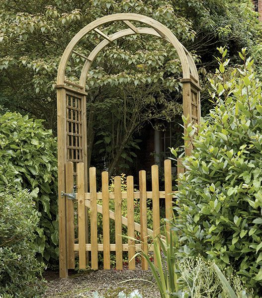 Etrance to garden gates garden arch with gate this is it for Timber garden arch designs