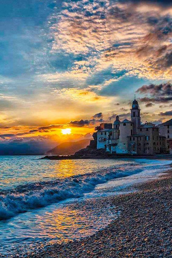 | #Camogli | #Genova |  www.volamondo.it
